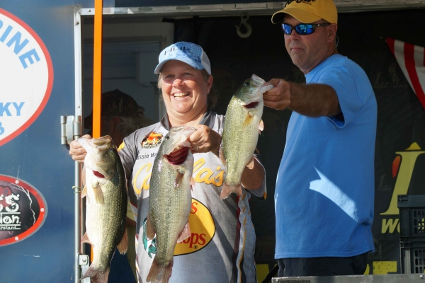 The Co-Angler Champion 2018, Cassie Hall of Alabaster, AL with 16.54 lbs
