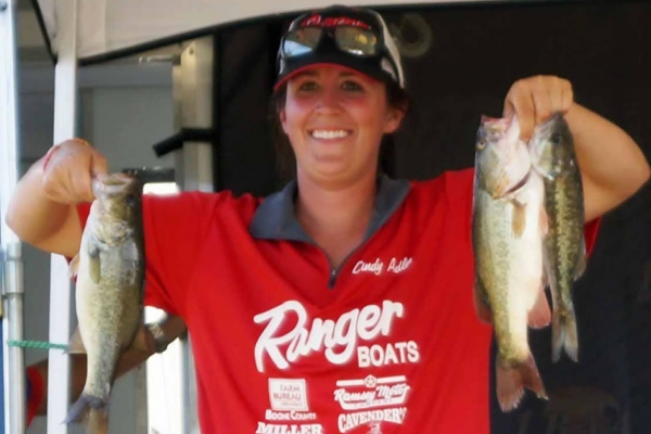 The Co-Angler Champion 2017 is Cindy Adler of Harrison, Arkansas winning with 23.13 lbs